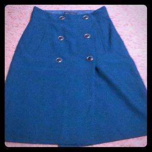 Line pencil skirt